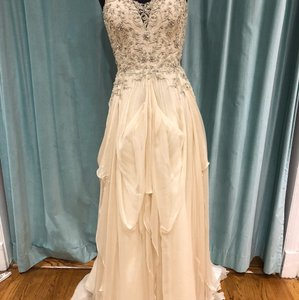 Watters & Watters Bridal Ivory Silk Chiffon and Delicate Beadwork 55519 Willowby Modern Wedding Dress Size 8 (M)