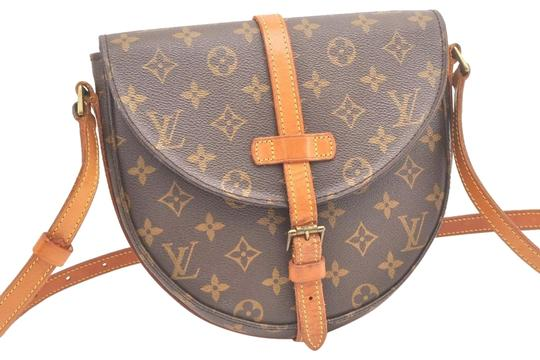 Preload https://item5.tradesy.com/images/louis-vuitton-chantilly-mm-monogram-canvas-cross-body-bag-23832829-0-1.jpg?width=440&height=440