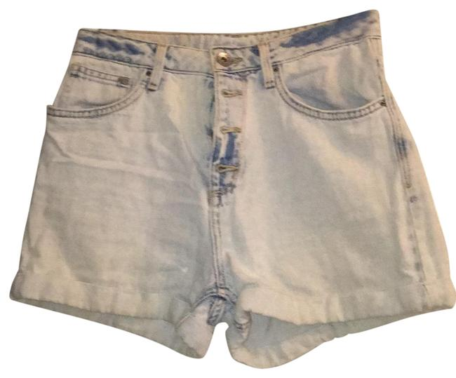 Preload https://item2.tradesy.com/images/h-and-m-denim-minishort-shorts-size-4-s-27-23832856-0-1.jpg?width=400&height=650