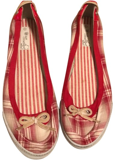 Preload https://item1.tradesy.com/images/red-and-white-flats-size-us-11-regular-m-b-23832930-0-1.jpg?width=440&height=440