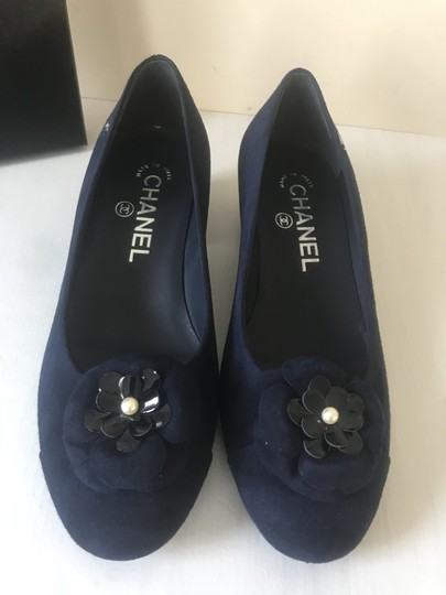 Chanel Camellia Flower Pearl Navy Blue Pumps