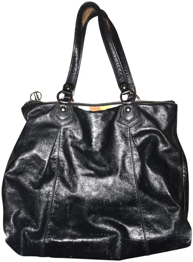 Preload https://item1.tradesy.com/images/coach-black-with-rainbow-interior-lining-leather-shoulder-bag-23833010-0-1.jpg?width=440&height=440