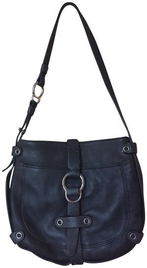 Preload https://item3.tradesy.com/images/dkny-small-purse-black-leather-baguette-23833012-0-1.jpg?width=440&height=440