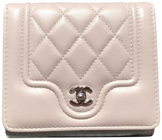 Preload https://img-static.tradesy.com/item/23833101/chanel-pink-lambskin-tri-fold-wallet-0-1-540-540.jpg