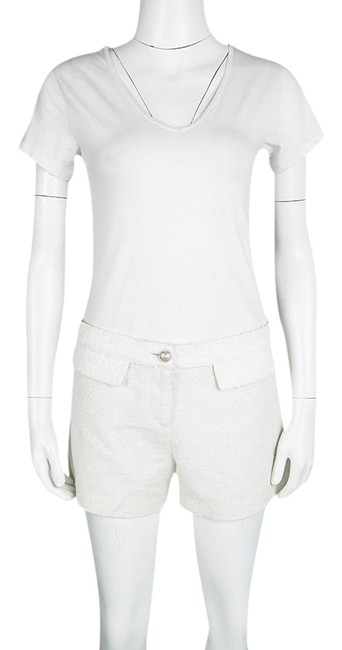 Preload https://item2.tradesy.com/images/chanel-white-off-high-waist-textured-minishort-shorts-size-10-m-31-23833126-0-1.jpg?width=400&height=650
