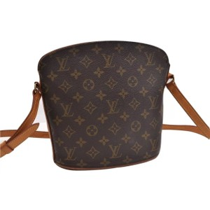 Louis Vuitton Canvas Bags - Up to 70% off at Tradesy cf98c52d6d