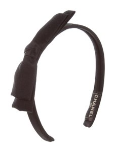 Chanel 1980s CHANEL BLACK SATIN HEADBAND
