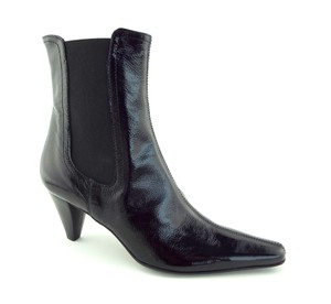Aquatalia Pointy Crushed Patent Soft Patent Zilch Kate Middleton Black Boots