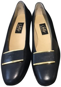 Selby Navy Pumps