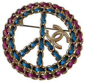 Chanel CHANEL Metal Calfskin Chain Peace Sign CC Brooch Blue Purple Gold