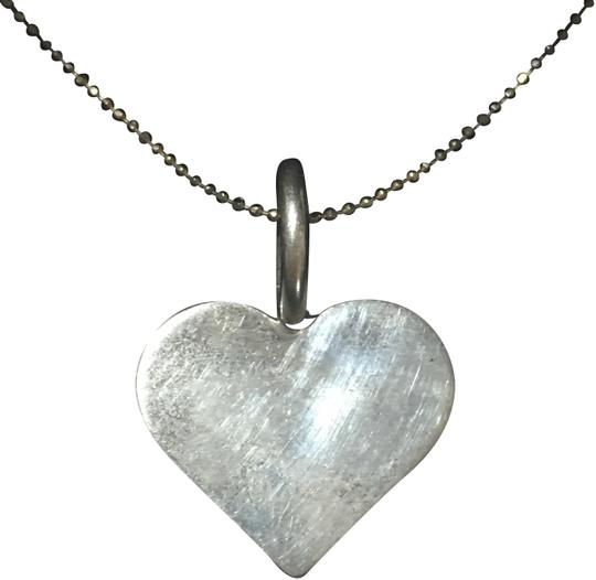 Preload https://img-static.tradesy.com/item/23837597/silver-vintage-solid-sterling-heart-necklace-0-1-540-540.jpg