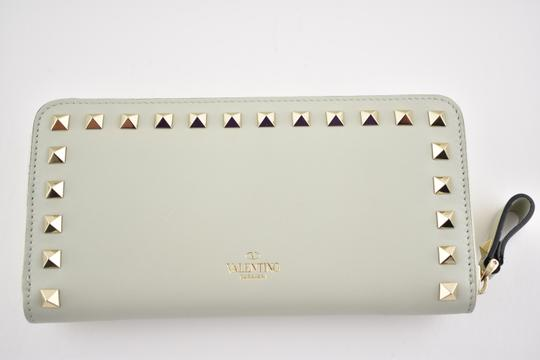 Valentino Rockstud 6A0 Gold Stud Leather Zipper Around Continental Wallet Clutch Image 3