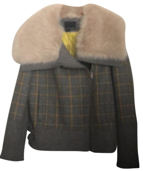 Preload https://img-static.tradesy.com/item/23838263/banana-republic-gray-with-yellow-and-whit-running-through-it-722647-001-jacket-size-10-m-0-1-650-650.jpg