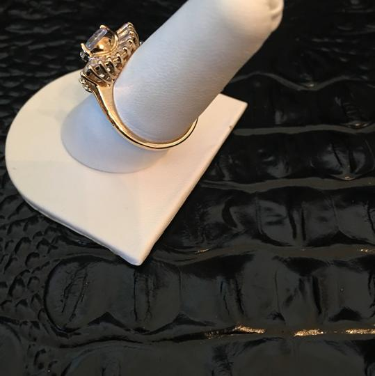 Other 18k gold diamond ring Image 3