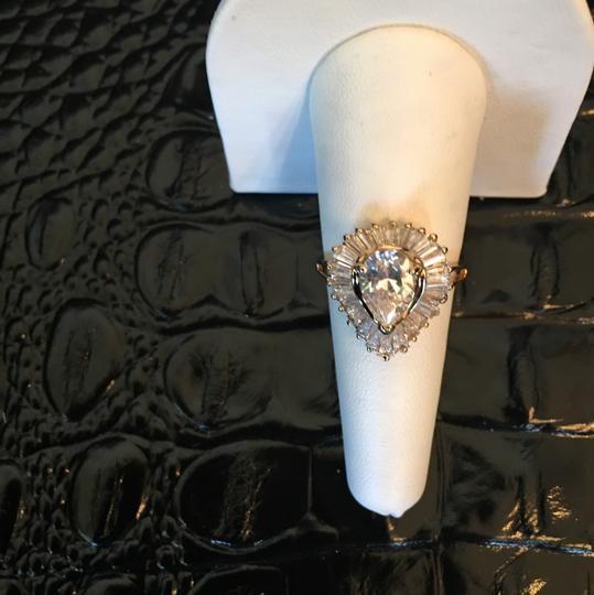 Other 18k gold diamond ring Image 6