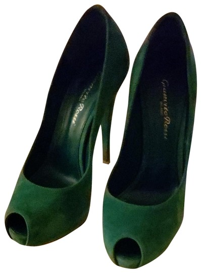 Preload https://img-static.tradesy.com/item/23838409/gianvito-rossi-green-palm-camoscio-gn535415ric-pumps-size-eu-36-approx-us-6-regular-m-b-0-2-540-540.jpg