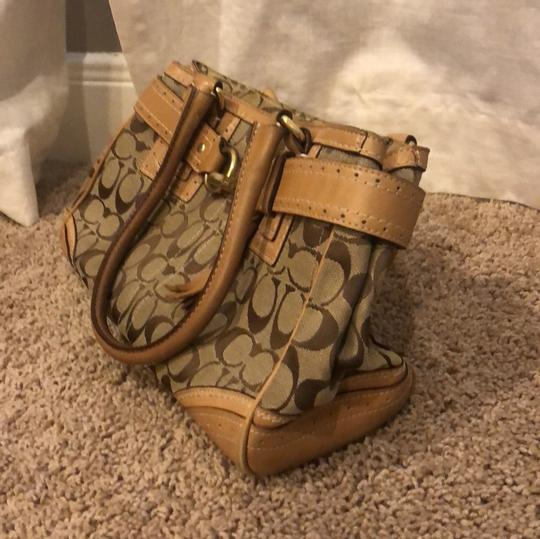 Coach Signature Satchel in brown/tan Image 1