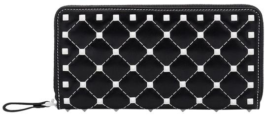 Valentino Rockstud Free Spike White Zipper Around Stud Continental Wallet Clutch Image 0