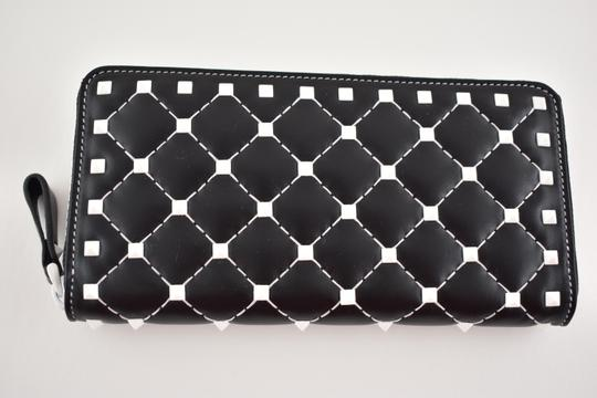 Valentino Rockstud Free Spike White Zipper Around Stud Continental Wallet Clutch Image 1
