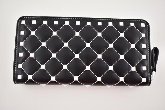 Valentino Rockstud Free Spike White Zipper Around Stud Continental Wallet Clutch Image 3