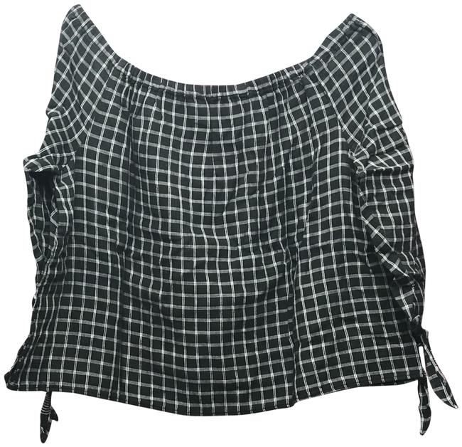 Preload https://img-static.tradesy.com/item/23838945/madewell-blackwhite-women-s-plaid-off-the-shoulder-boxy-blouse-size-12-l-0-1-650-650.jpg