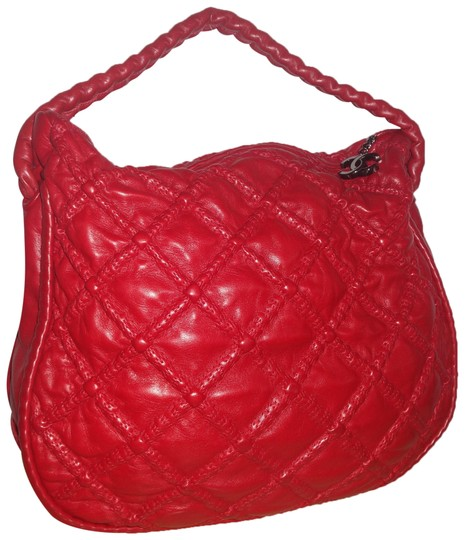 Preload https://img-static.tradesy.com/item/23839043/chanel-hobo-hidden-chain-tote-red-leather-shoulder-bag-0-1-540-540.jpg