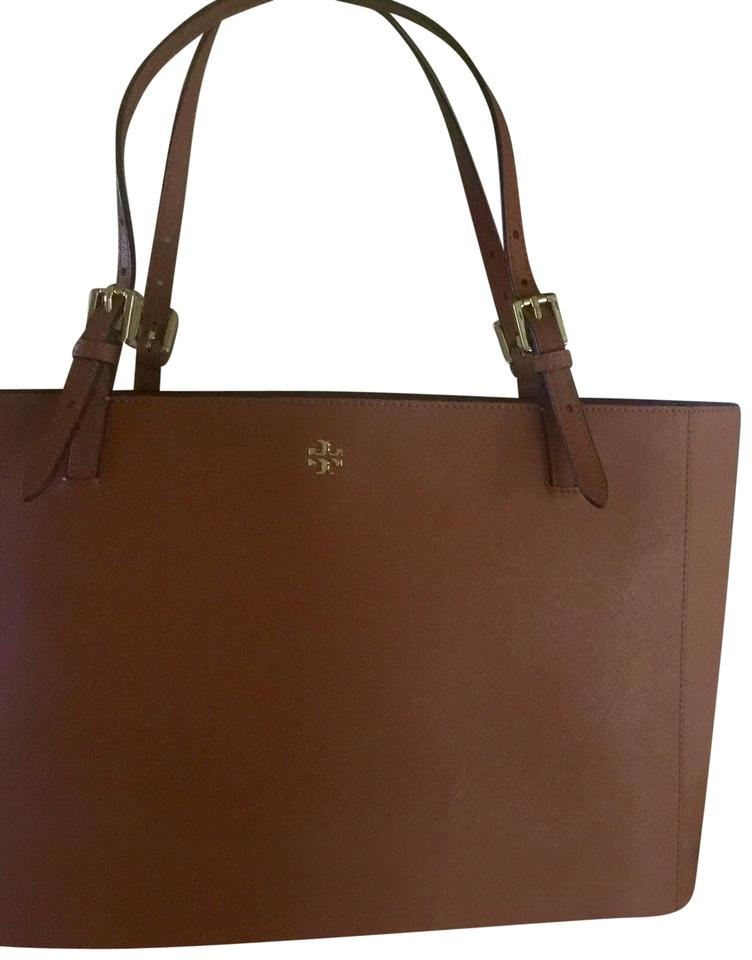 d5a81430542c Tory Burch Large Totes - Up to 70% off at Tradesy