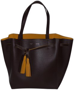 Céline Tote in BURGUNDY