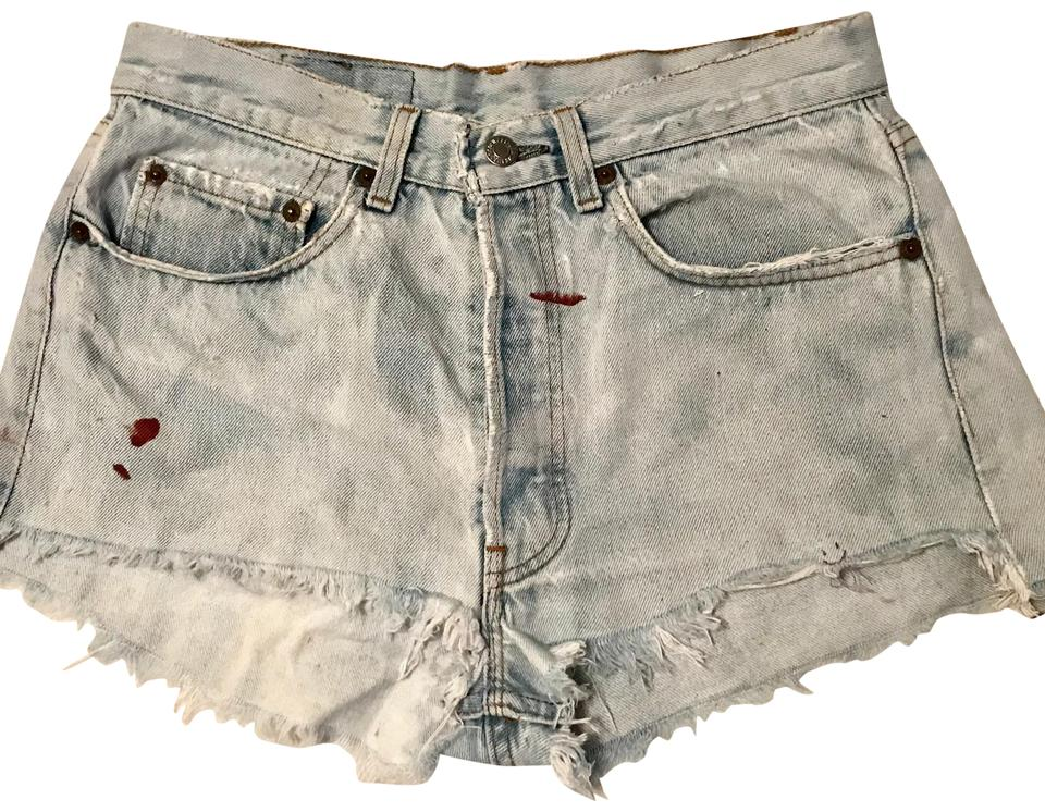 0f7934e153a Levi s Denim Shorts Size 4 (S