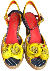 Poetic License yellow Platforms