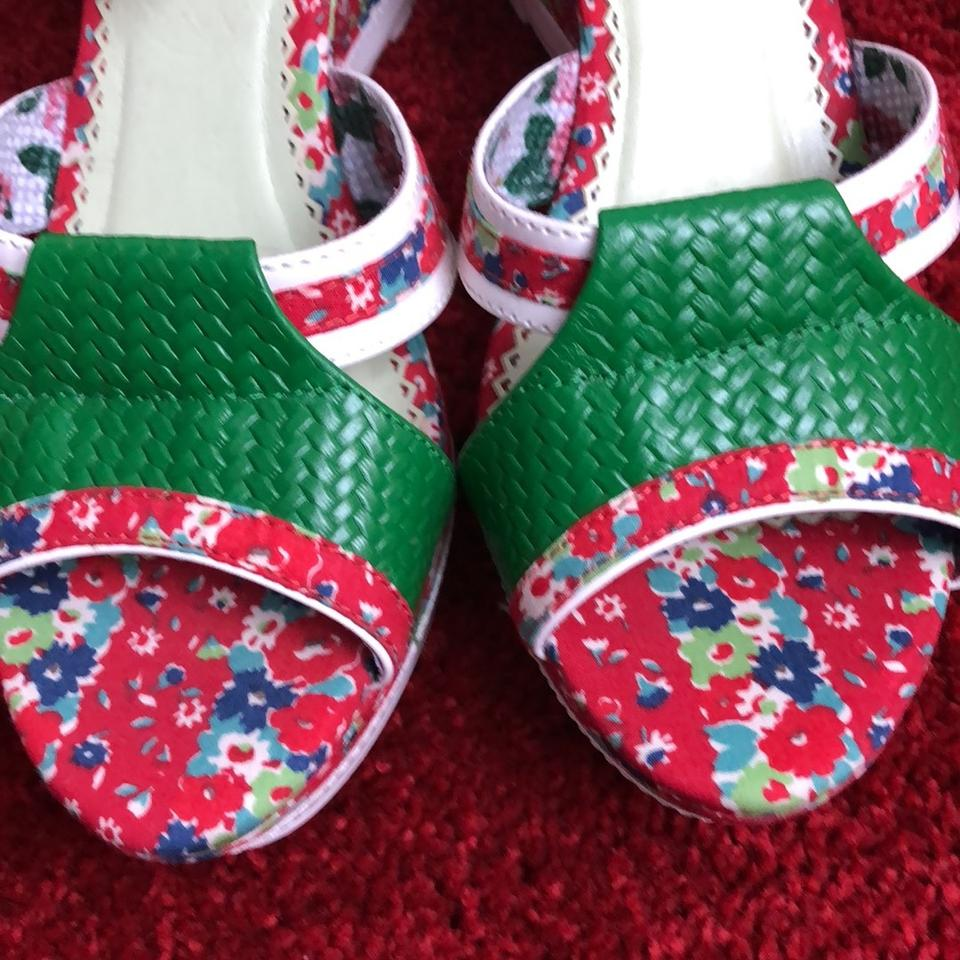 b177f5e4beb3 Poetic License Green Red   White... My Cup Of Tea Sandals Size US 10 ...