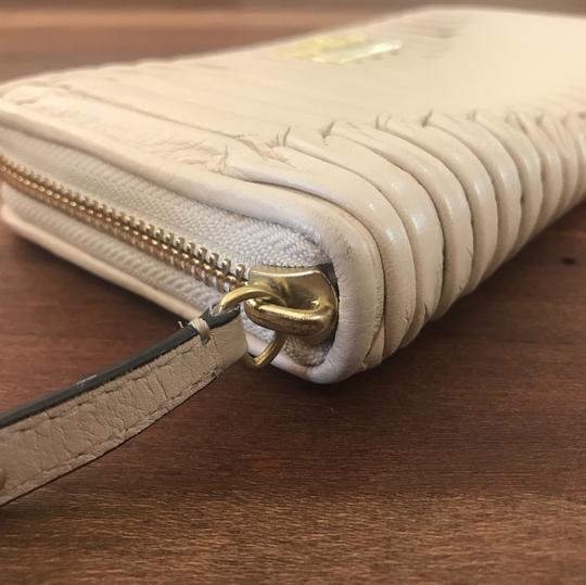 Coach Madison Zip Around Accordion Wallet
