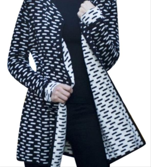 Preload https://img-static.tradesy.com/item/23848260/august-silk-black-and-white-striped-cardigan-size-8-m-0-1-650-650.jpg