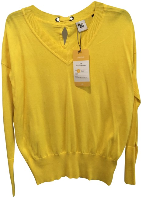 Preload https://img-static.tradesy.com/item/23848267/cabi-canary-citrus-yellow-sweater-0-1-650-650.jpg