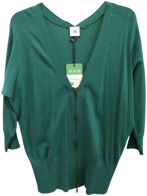 Preload https://img-static.tradesy.com/item/23848279/cabi-emerald-green-banner-sweaterpullover-size-8-m-0-1-650-650.jpg