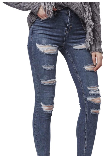 Preload https://item4.tradesy.com/images/topshop-medium-blue-with-rips-distressed-jamie-skinny-jeans-size-6-s-28-23848438-0-1.jpg?width=400&height=650