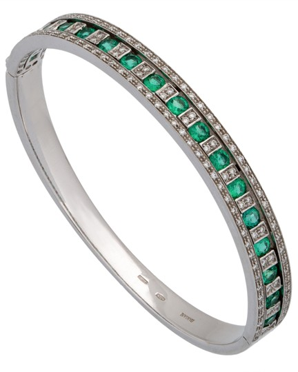 Preload https://img-static.tradesy.com/item/23848461/damiani-white-gold-damianissima-18k-pave-diamond-and-emerald-bangle-bracelet-0-0-540-540.jpg
