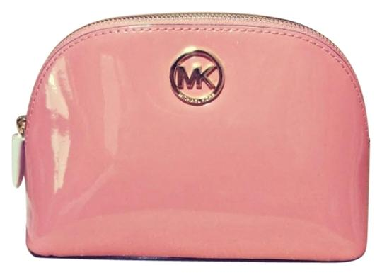 Preload https://item4.tradesy.com/images/michael-kors-peach-gold-fulton-large-pouch-jet-set-large-pouch-cosmetic-bag-23848638-0-1.jpg?width=440&height=440