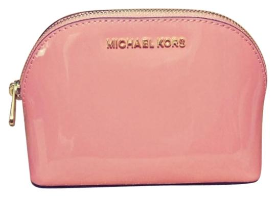 Preload https://item1.tradesy.com/images/michael-kors-peach-gold-fulton-large-pouch-jet-set-large-pouch-cosmetic-bag-23848675-0-1.jpg?width=440&height=440
