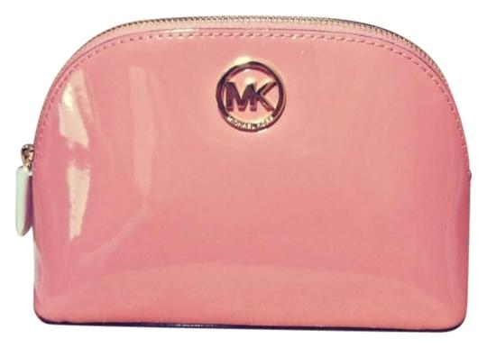 Preload https://item5.tradesy.com/images/michael-kors-peach-gold-fulton-large-pouch-jet-set-large-pouch-cosmetic-bag-23848759-0-1.jpg?width=440&height=440