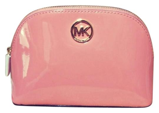 Preload https://item4.tradesy.com/images/michael-kors-peach-gold-fulton-large-pouch-jet-set-large-pouch-cosmetic-bag-23848778-0-2.jpg?width=440&height=440