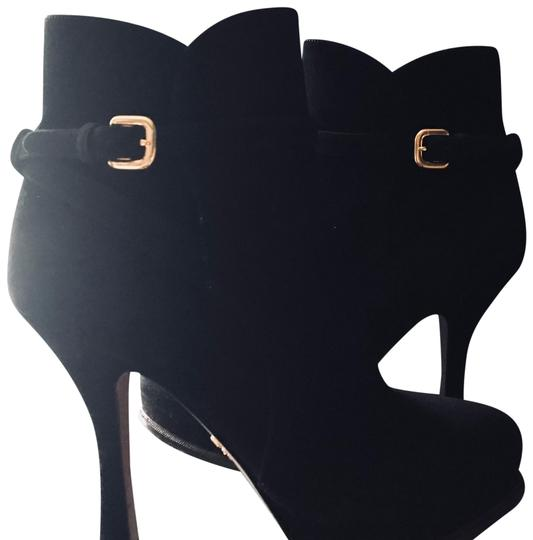 Preload https://img-static.tradesy.com/item/23848842/prada-ankle-with-golden-accessory-bootsbooties-size-us-105-regular-m-b-0-1-540-540.jpg