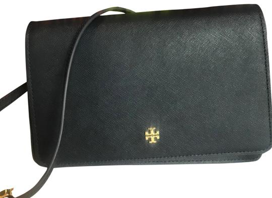 Preload https://item4.tradesy.com/images/tory-burch-emerson-combo-navy-blue-saffiano-leather-cross-body-bag-23848928-0-3.jpg?width=440&height=440