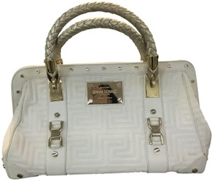 3a273e757d66 Versace Bags - Up to 90% off at Tradesy (Page 11)