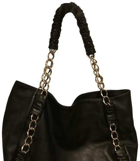 Preload https://img-static.tradesy.com/item/23850211/foley-corinna-f-and-c-leather-tote-0-1-540-540.jpg