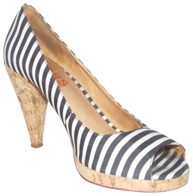 Michael Kors Black and Ivory Striped Canvas Shoes/Designer Pumps Size US 8 Regular (M, B) Michael Kors Black and Ivory Striped Canvas Shoes/Designer Pumps Size US 8 Regular (M, B) Image 1