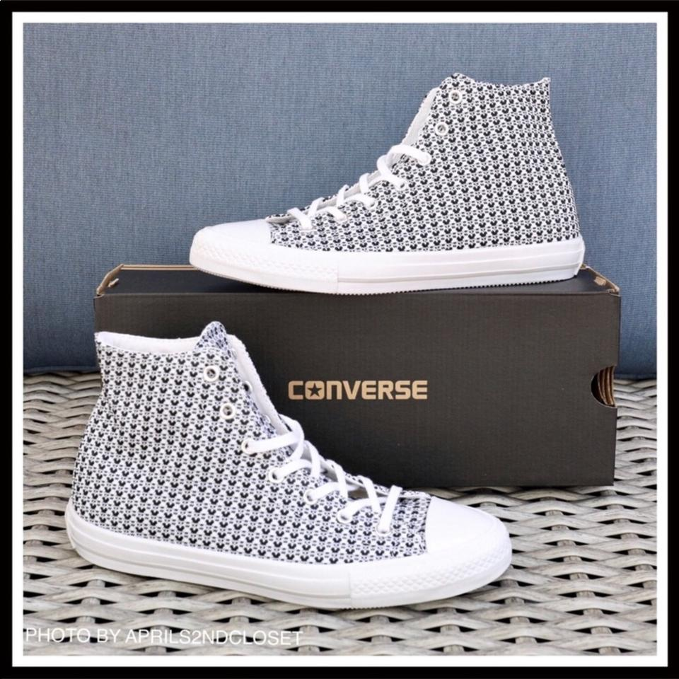Converse Stylish Chuck Taylor All Star High Tops Sneakers Sneakers. Size  US  6 Regular (M ... e2a62eb76