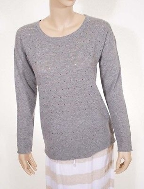 Preload https://item3.tradesy.com/images/saffron-womens-light-grey-cashmere-crewneck-pullover-sweater-2385592-0-0.jpg?width=400&height=650