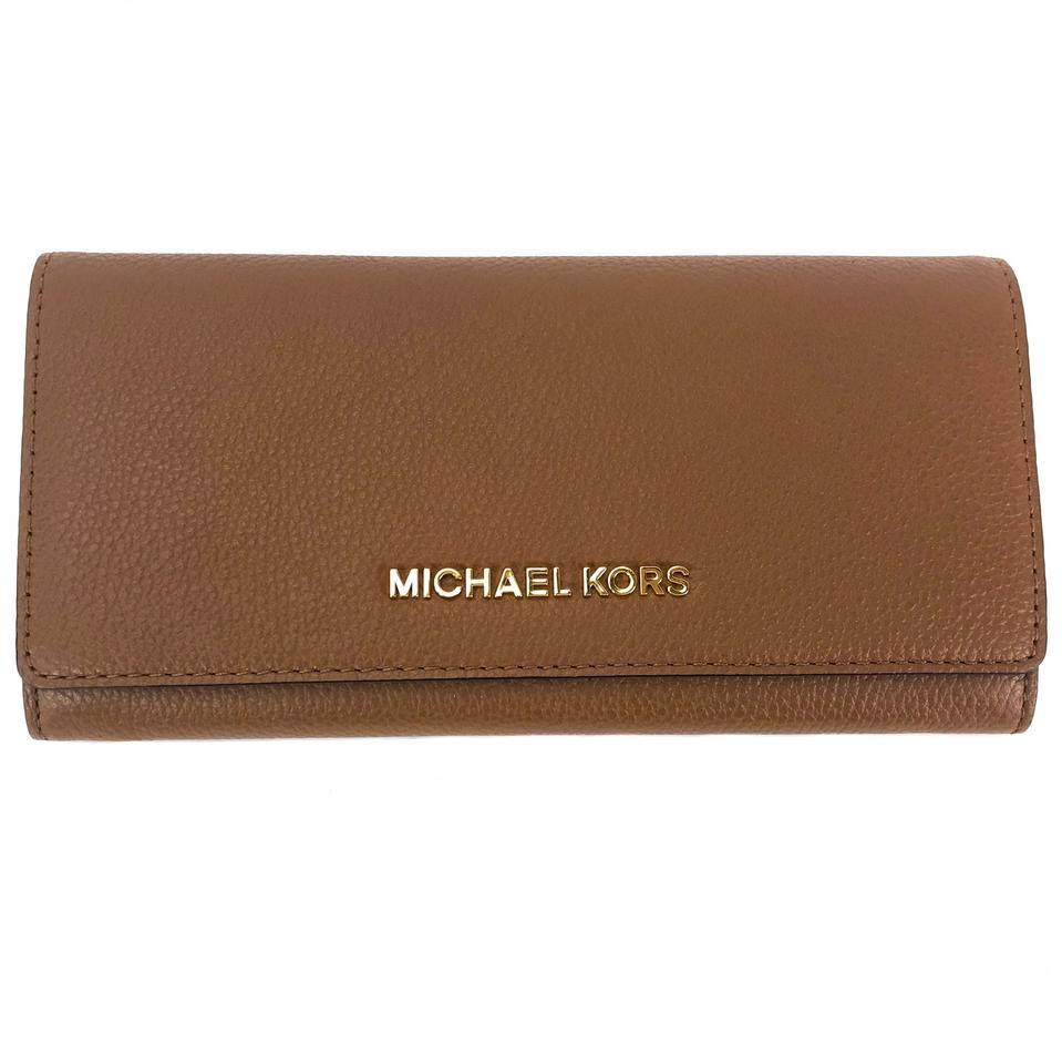6c4dfc86050a Michael Kors Brown Jet Set Travel Carryall Leather Wallet - Tradesy