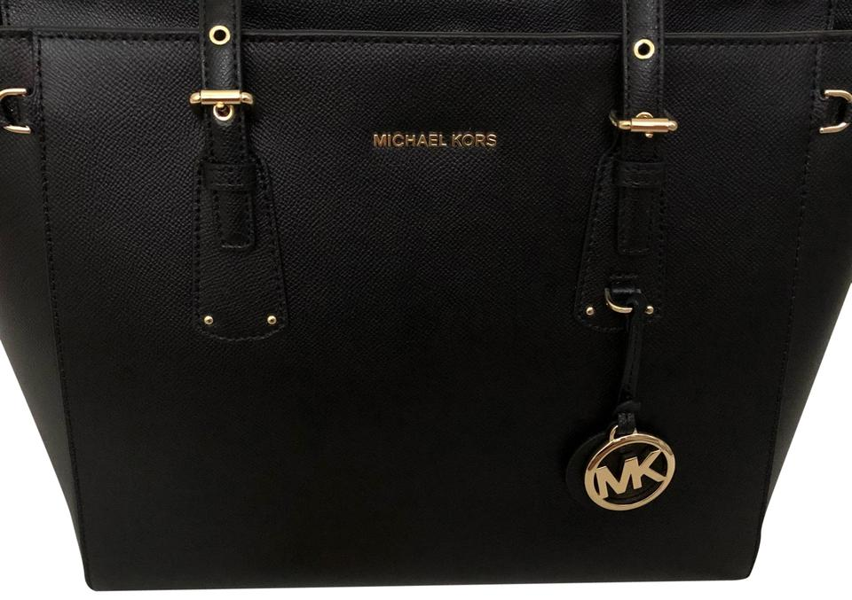 7013112f137a Michael Kors Voyager Medium Black Leather Tote - Tradesy